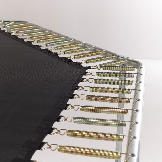 Montage der Jippieh 430 Trampolinfedern an Sprungtuch und Rahmen