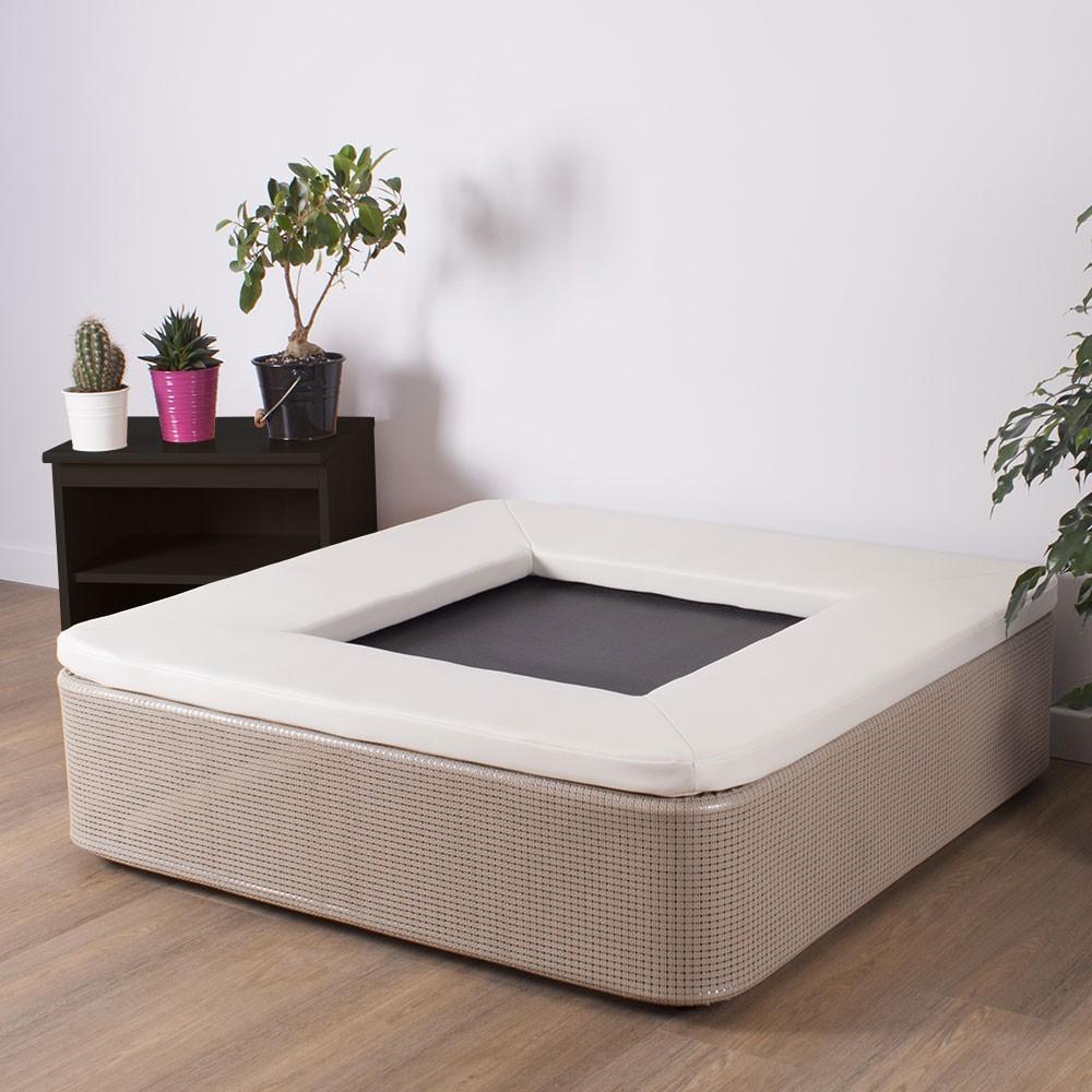 das elegante quadratische fitness trampolin f r ihr wohnzimmer. Black Bedroom Furniture Sets. Home Design Ideas