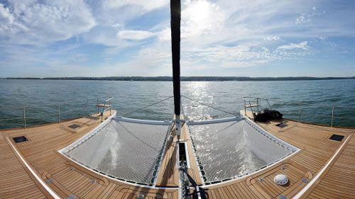 Doppelrumpfboot-Trampoline