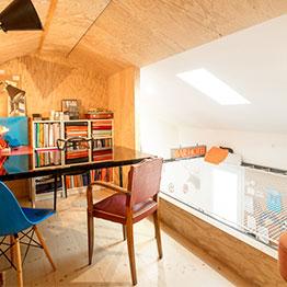 FLese-Netz in einem modernen Haus -EMA Architecte Bordeaux